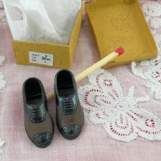 Paire chaussures 1/12 homme miniature maison poupée