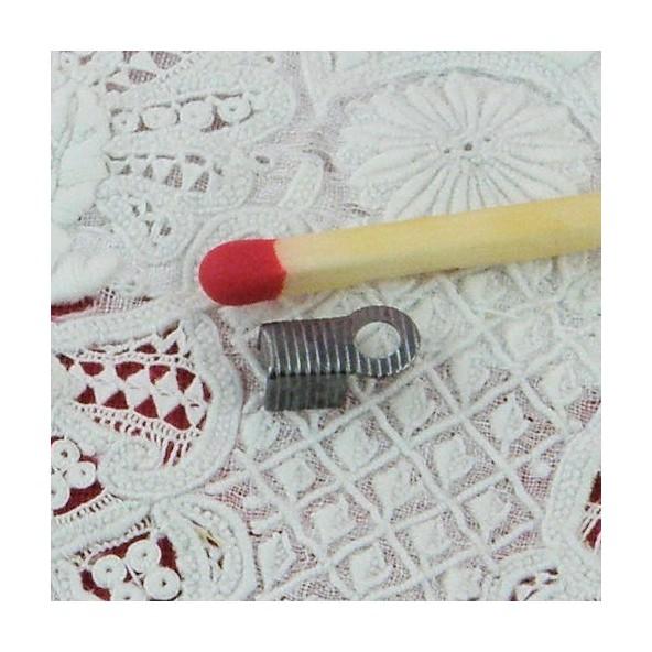 Attache fils apprêt bijoux fermoir 8 mm.