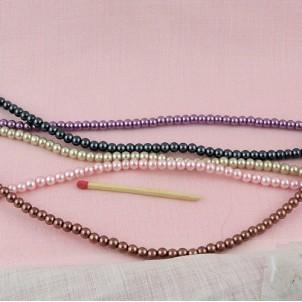 Round glass pearls 4 mms.