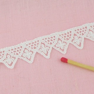 Square lace trim, cluny cotton lace 17 mm, 18 mms.