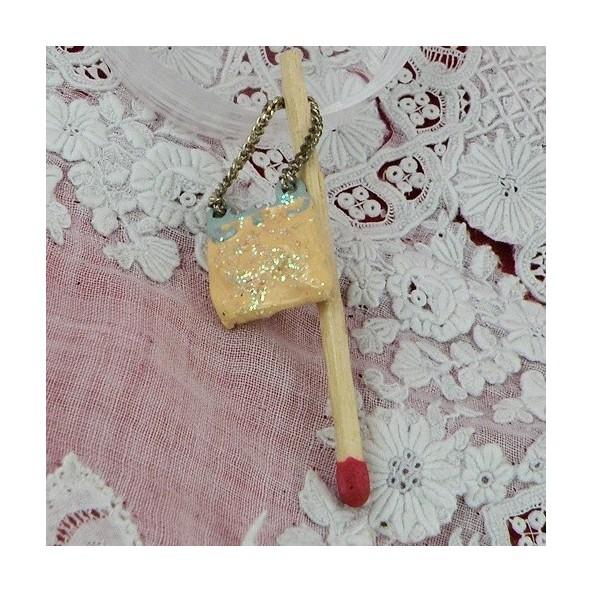 Hand bag miniature for dollhouse 2 cms
