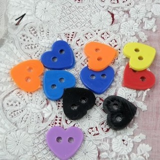 Big sized plastics heart buttons two holes,