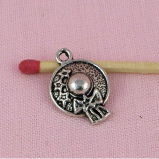 Wide-brimmed hat Charms pendant 2 cms.