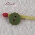 Bouton mercerie rond motif imprimé fleurs 1 cm.