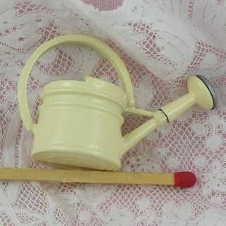 Mini Arrosoir émaillé, miniature maison poupée 25 mm.