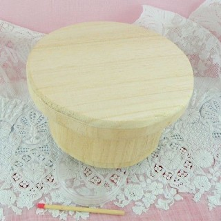 Round wooden box with magnetic lids