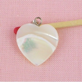 Coeur pendentif nacre véritable 2 cm.
