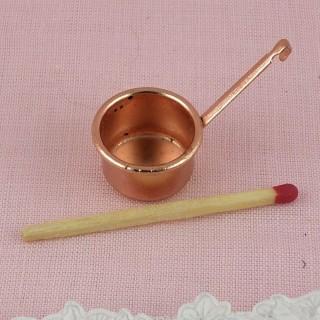 Casserole cuivre miniature cuisine poupée.