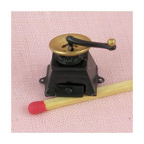 Vintage coffee grinder 2 cm four pieces