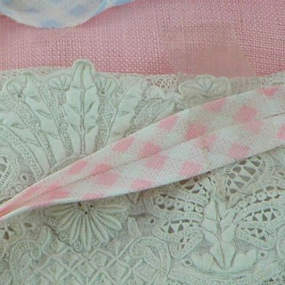Double Fold gingham bias Tape 6 mm.