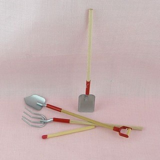 Miniature Garden accessories, 3 tools 9,5 cms