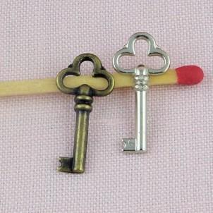 Breloque Clef miniature poupée