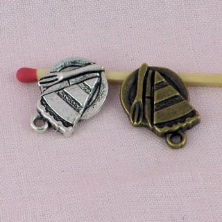 Part de gateau métal, breloque, pendentif, charms 1 cm.