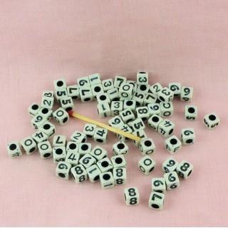 Sachet Perles cubiques nombres chiffres 7 mm.