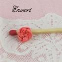Roses en ruban minuscule à coudre 1 cm.