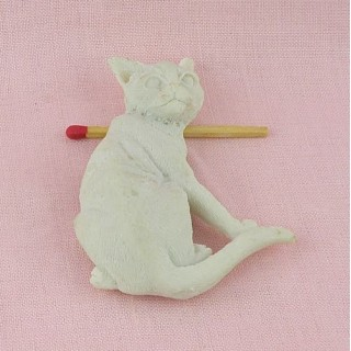 Cat magnet, synthetic plaster, resin to decorate