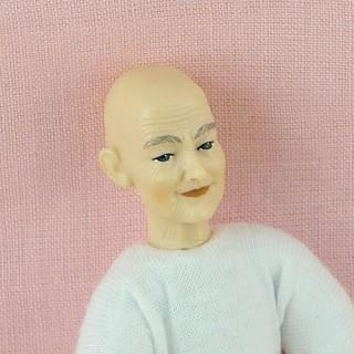 Poupée miniature agée 1/12eme Heidi Ott