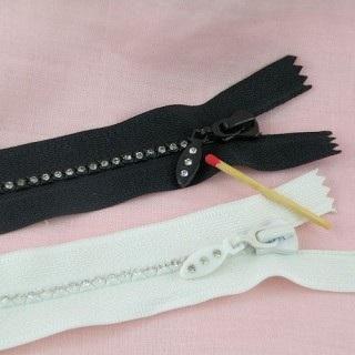 Snap tape with strass, 15,5cms.