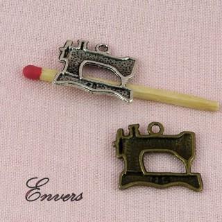 Machine à coudre métal, breloque, pendentif, charms 1,5 x 2cm.