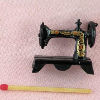Sewing machine doll miniature 32 mms