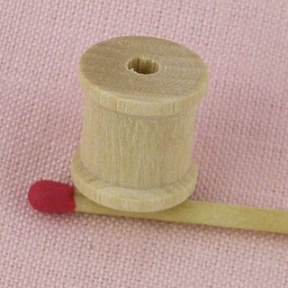 Miniature Wooden spool 19 mms tiny