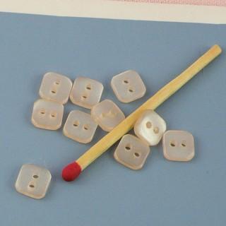 Boutons carrés nacrés, deux trous 7 mm.