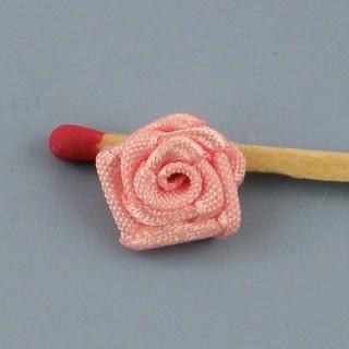 Rose en ruban avec pétales, fleur à coudre, 30mm, 3cm.