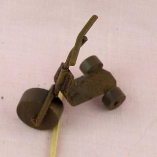 Patinette miniature métal