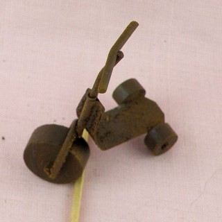 Rust tin wire scooter miniature, 5 cms