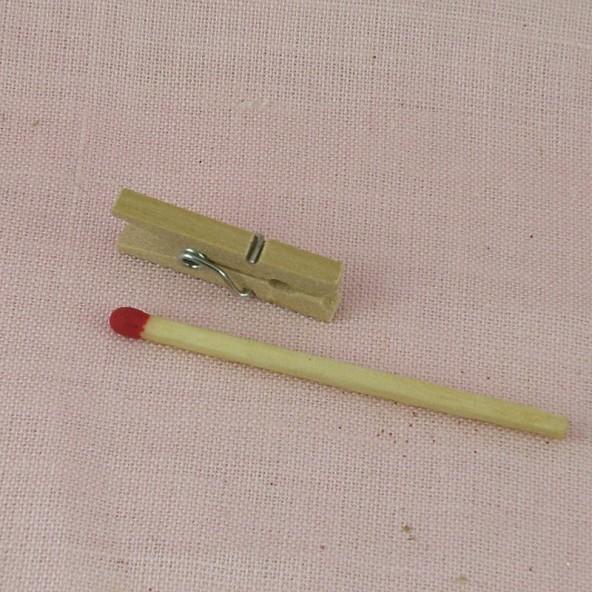 Clothpin wood doll house miniature, 25 mms.