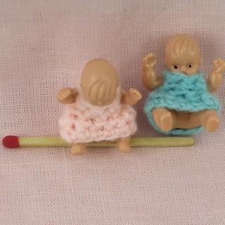 Poupée à habiller en bois, miniature 14 cm.