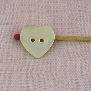 Botón corazón Madre de la perla grande 2 x 2cm dos agujeros.