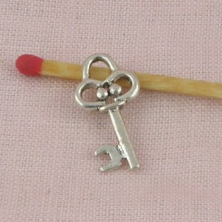 Pendant key doll miniature jewel 19 mms.