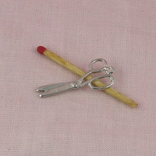Miniature brass Scissors charms 3 cm