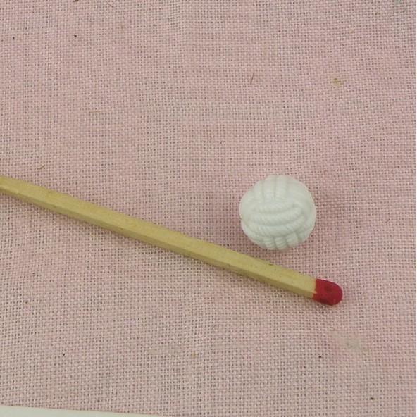 Ball shank button in plastic braided thread 1 cm.