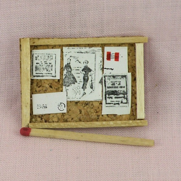 Tablón de anuncios miniatura casa muñeca