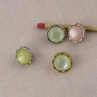 Pearly shank button in plastic 1 cm.