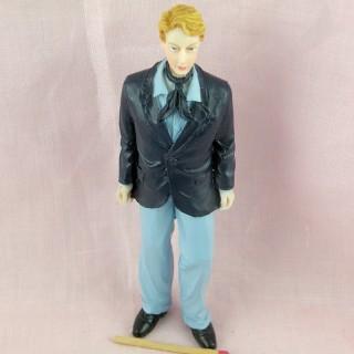Statuette man
