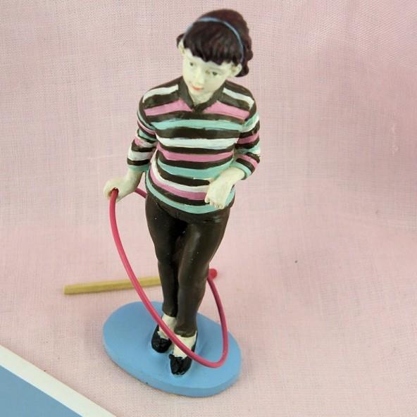 Figurina joven chica los años 50 con aro