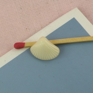 Shank Button sea shell 15 mm