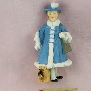 Figurina estilo Hummel chica al perro
