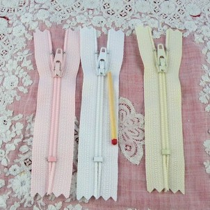 Tiny zipper for doll small 75 mms