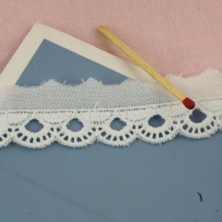 Eyelet cotton trim, half circles, 16 mms