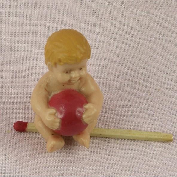 Kleines winziges pausbäckiges Baby für Puppe