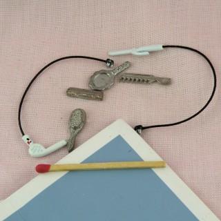 Sèche cheveux miniature maison poupée, breloque métal coiffure.