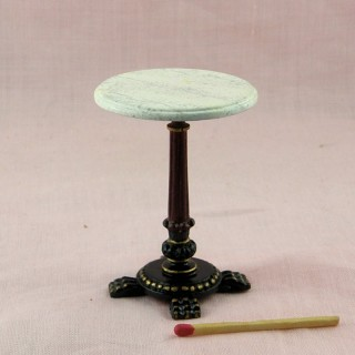 Mesa miniatura redonda en parte manera mármol bar retro, café para casa de muñecas.