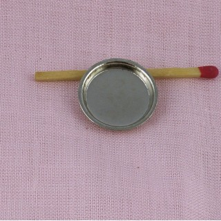 Plat en métal miniature 2 cm