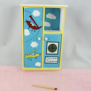 Miniaturschrank bewegliches Puppenhaus