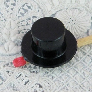 Plastic Hat with edge, 5 cms.