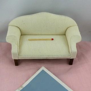 Sofá sapo salón miniatura casa muñecae